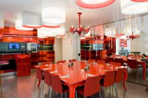 Ouverture du restaurant bar lounge studio SFR